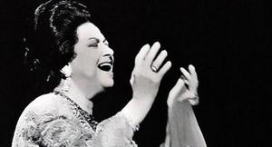 Personalidades Importantes da Música Árabe- Parte III: Om Kalthoum